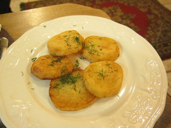Senoji Trobele: fried potatoes