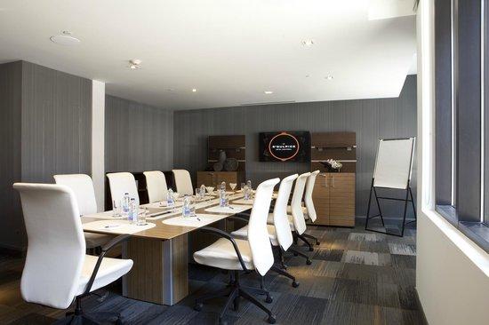 Le Saint-Sulpice: Executive meeting room