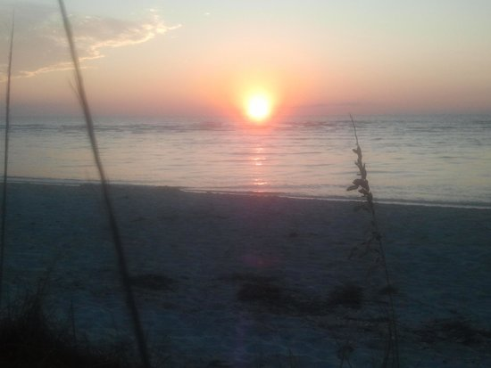Castaways Cottages of Sanibel: Steps from the beach