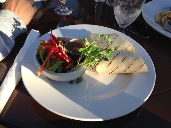 Herons Restaurant @ Heriot Bay Inn : Warm pita veggie wrap (no cheese)