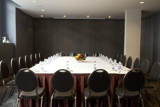 Le Saint-Sulpice: Saint-Paul 1 meeting room