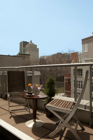Le Saint-Sulpice : Deluxe suite with balcony