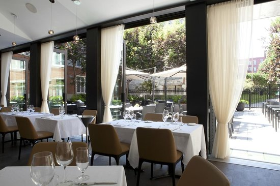 Le Saint-Sulpice: Sinclair Restaurant and Terrace