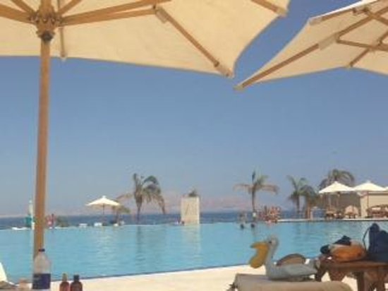 Cleopatra Luxury Resort Sharm El Sheikh : View from our sunbeds