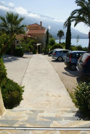 Villa Rosa : Car Parking