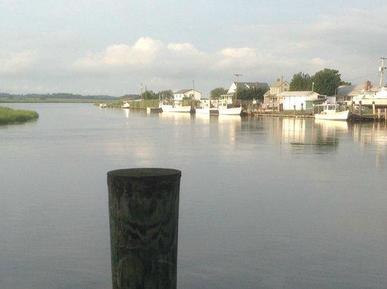 Sambo's Tavern: Outside on the dock walkway