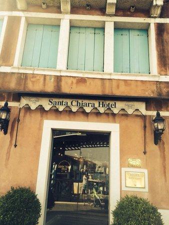 Santa Chiara Hotel : Entrada del hotel
