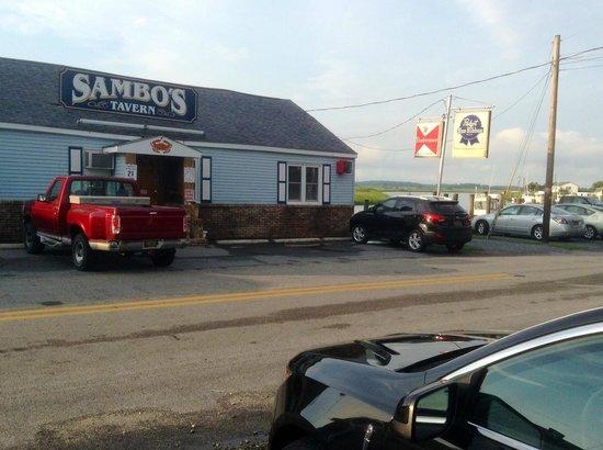 Sambo's Tavern: Front Entrance