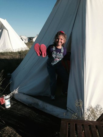 Yellowstone Under Canvas: Smiles tell it all- such fun!
