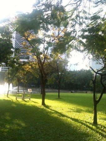 Sukhumvit: lovely park