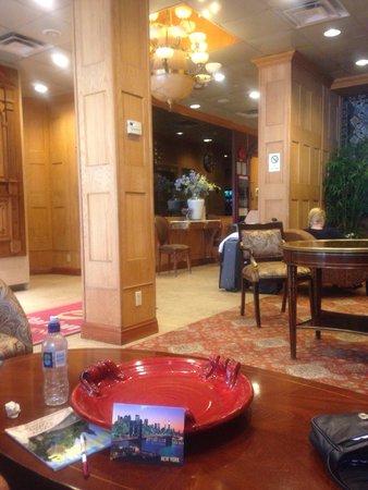 Clarion Hotel Park Avenue : Lobby area