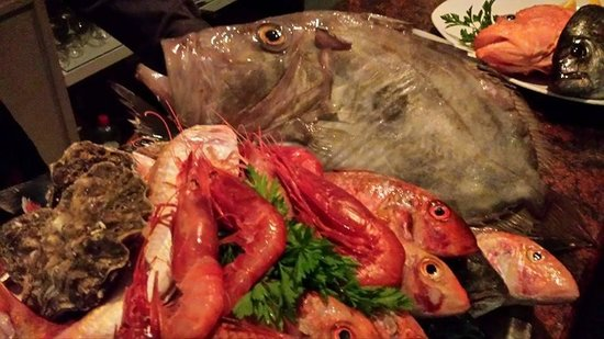 Venus Restaurant : Some of the fish for tonight.