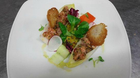 Venus Restaurant : Salmon tartar