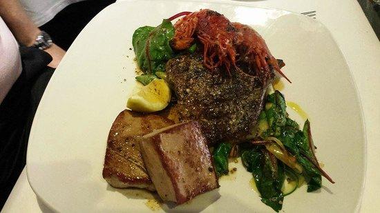 Venus Restaurant : First fish platter of the night.