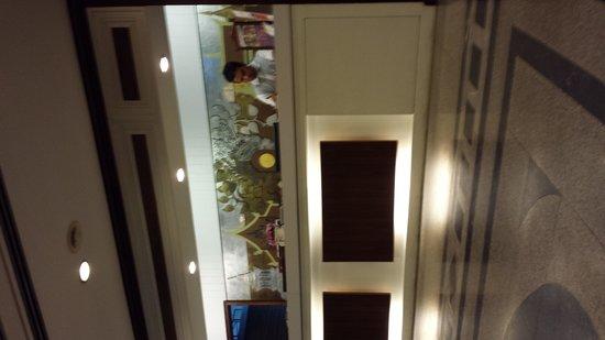 Star Hotel Chiang Mai: réception avec le réceptionniste impoli