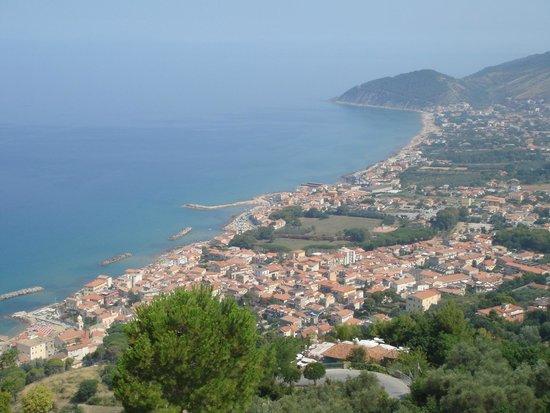 Albergo Il Castello: View from castellabate down  the coast