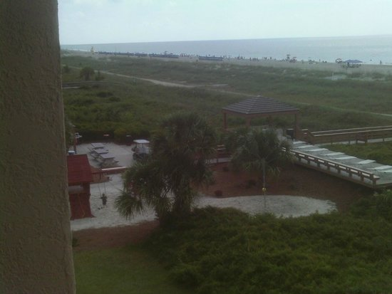 Seawatch at the Island Club: Family Playground near beach access