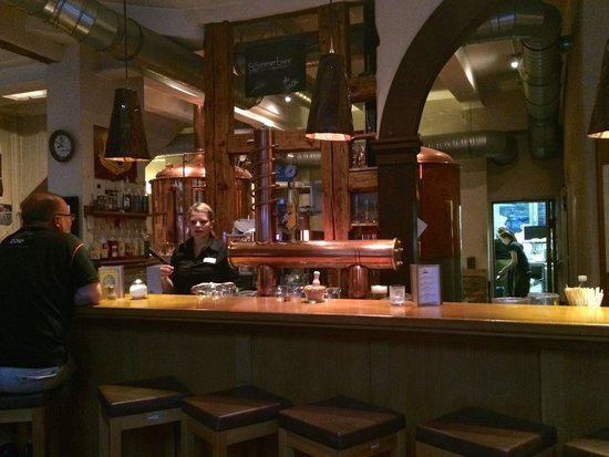 Brauhaus Goslar: The bar at the Brauhaus. You can have your meal here to.