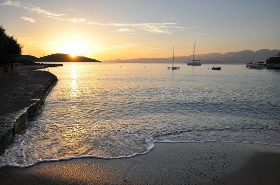 Elounda Bay Palace: Sunrise at Elounda