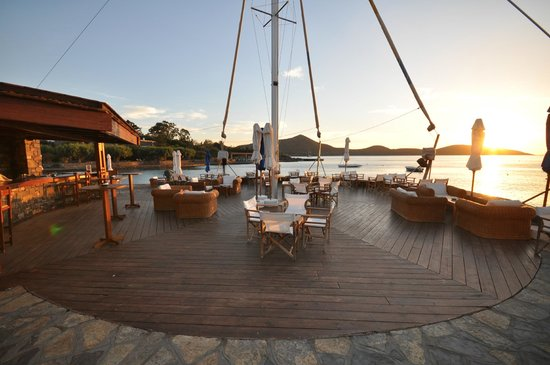 Elounda Bay Palace: Sail-in bar