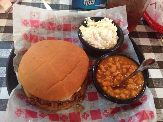 Smokin' Joes Bbq : Beef brisquit sandwich, cole slaw and baked beans. Delicious!
