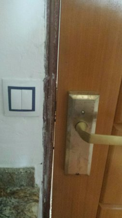 Maracaibo Aparthotel: Room 404 door. Not a big deal.. just needs some TLC