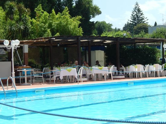 Hotel San Michele: Amazing Pool and lunch service