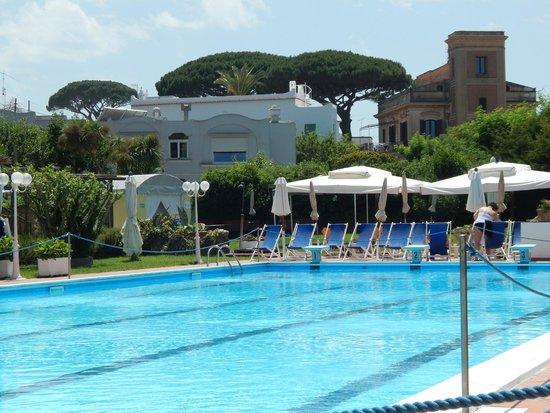 Hotel San Michele: Poolside!