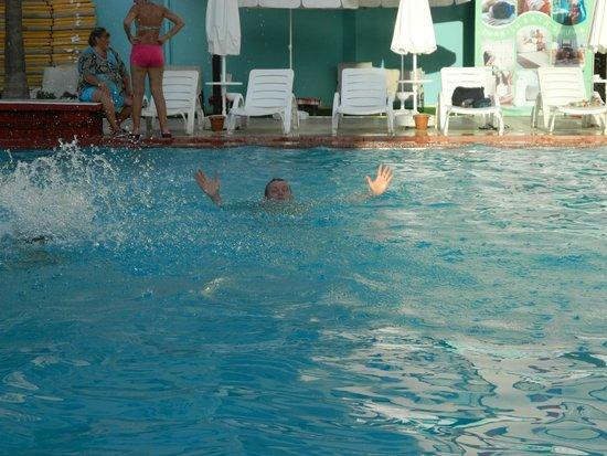 Club Sun Heaven: Один из 2-х бассейнов