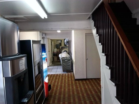 Days Inn Havelock: Laundry room at foot of stairs. The laundry room is where many if not most hotel fires start.