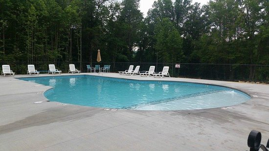 Gatlinburg East KOA Smoky Mountain Premier RV: Our swimming pool