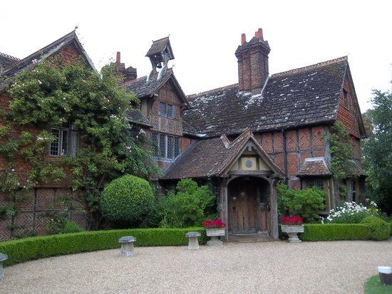 Langshott Manor Hotel Gatwick : front view