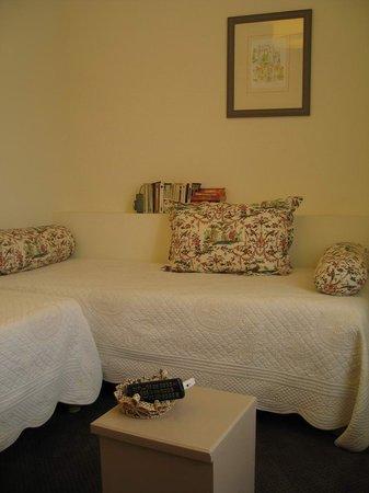 HOTEL LOU CIGALOUN : Orange, Lou Cigaloun - room