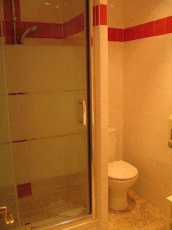 Hotel Cigaloun-Orange: Orange, Lou Cigaloun - bathroom