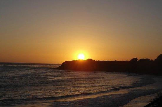 Cavalier Oceanfront Resort: Beach @ Sunset