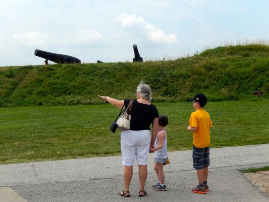 Fort McHenry National Monument : Gramma points to where the English fleet was massed to assault the fort (Key Bridge).