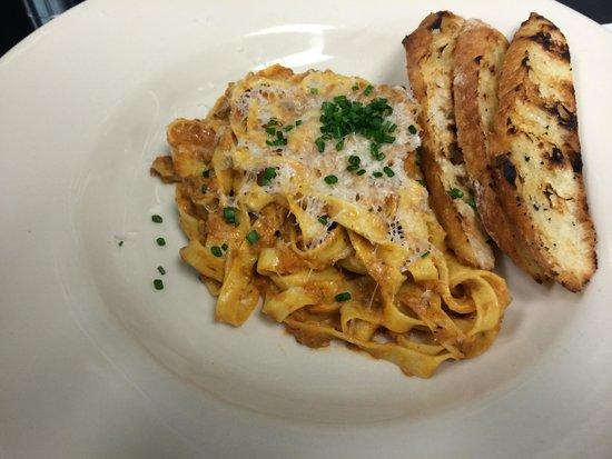 Carpe Diem Restaurant & Caterers: Mushroom Bolognese