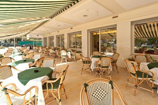 Terrazza bar, colazioni e aperitivi - Foto di Hotel Parco, Riccione ...