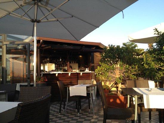 Ambasciatori Hotel: Roof terrace bar