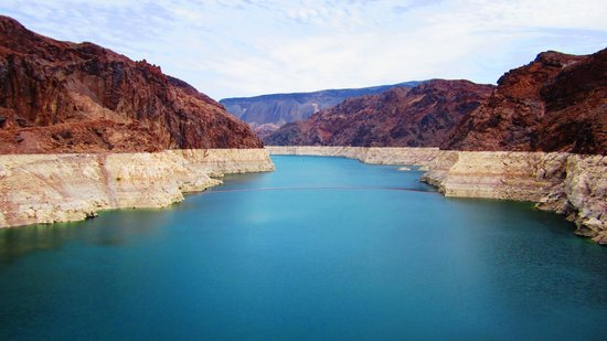 Hoover Dam: Beautiful Lake Mead