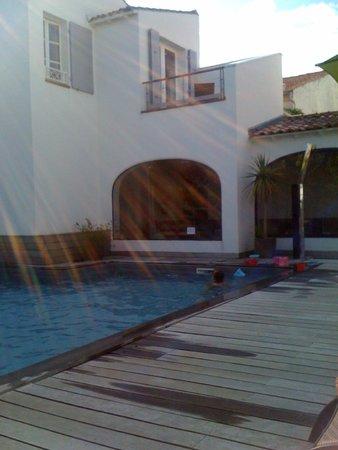 Hôtel La Marée : piscine