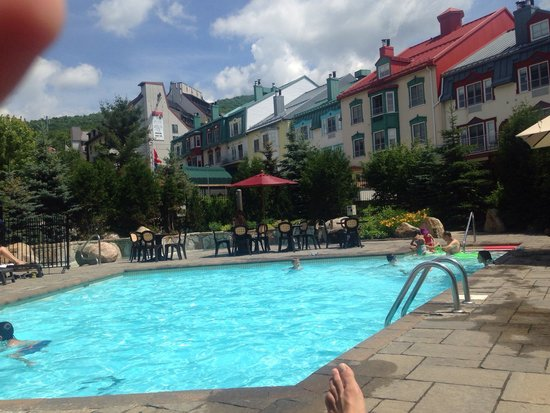 Homewood Suites Mont-Tremblant: Pool area