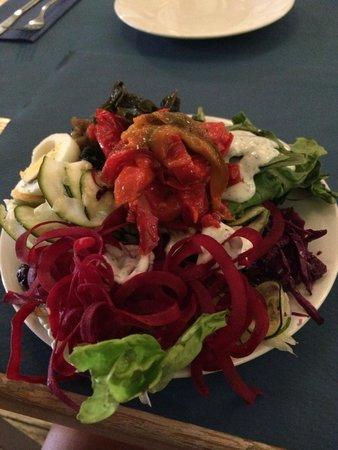 VivaBurger: Buffet salad bar