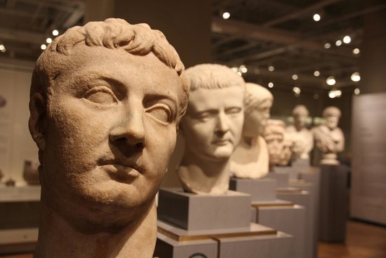 Musée royal de l'Ontario : Roman exhibits on level 3