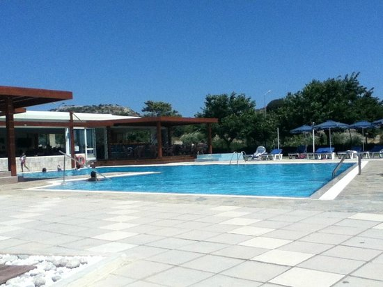 Zoes Hotel : Good size pool area, fun for family.