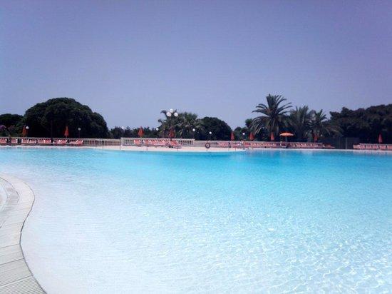 Blu Hotel Kaos: Magnifique piscines