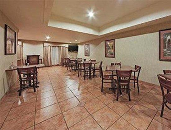 Hawthorn Suites by Wyndham Tempe/mesa/phoenix Area: Breakfast Dining Area