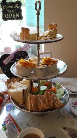 Lilly's Tea Room: The main tray, before the small cake tray, before the cake!