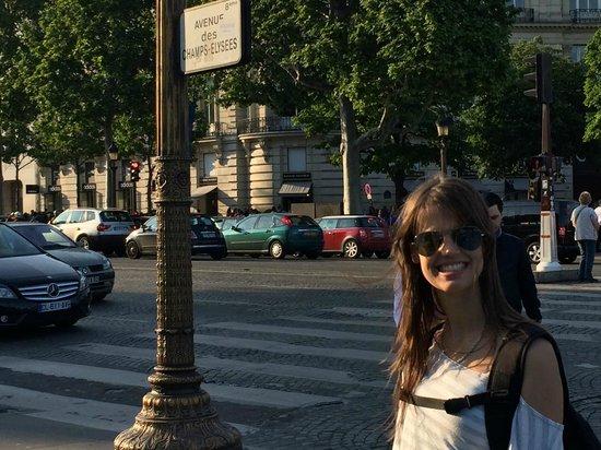 Champs-Élysées : Comenzando a caminar