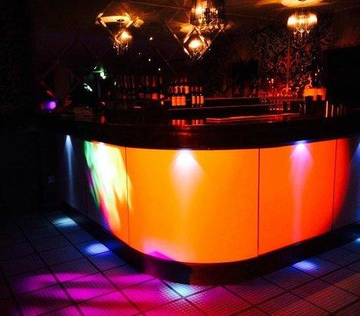 function room bar picture of ivory lounge sutton sutton tripadvisor. Black Bedroom Furniture Sets. Home Design Ideas